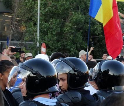 6. Jandarmii cu noi. Inca...