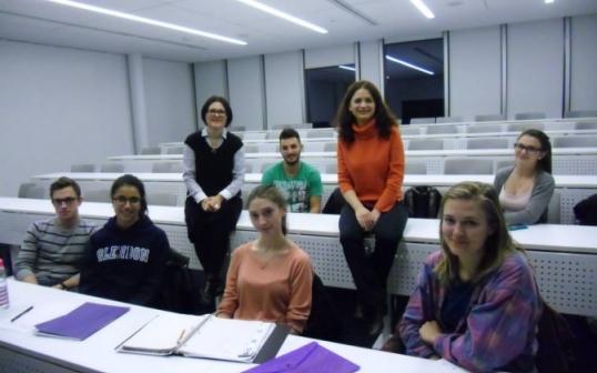 Crina Bud cu studenții