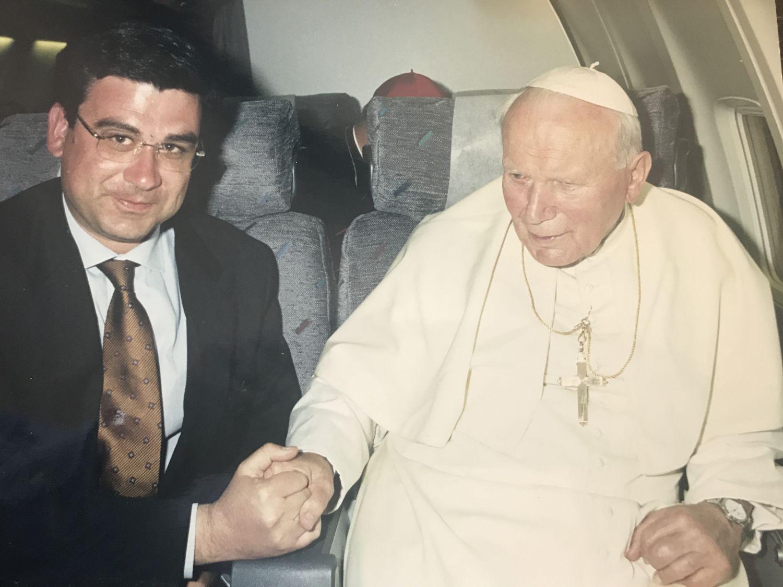 Interviu Teodor BACONSCHI: Cum a ajuns Papa Ioan Paul al II-lea în România
