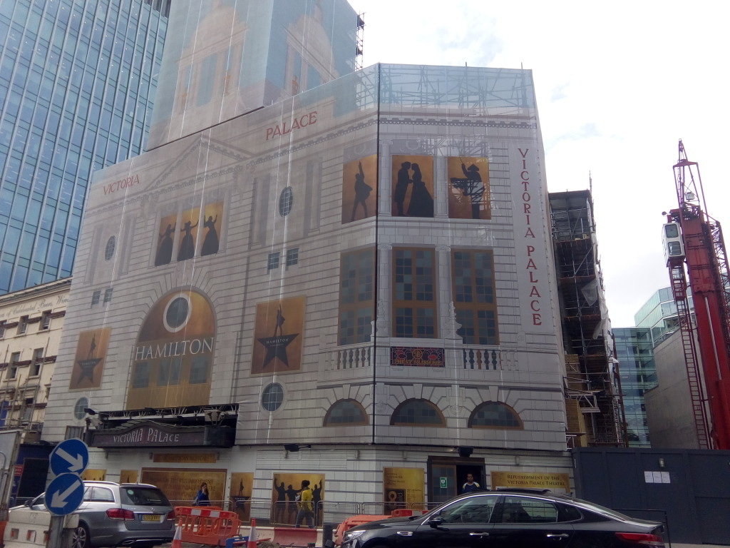 9-IMG-Victoria_Palace_Theatre