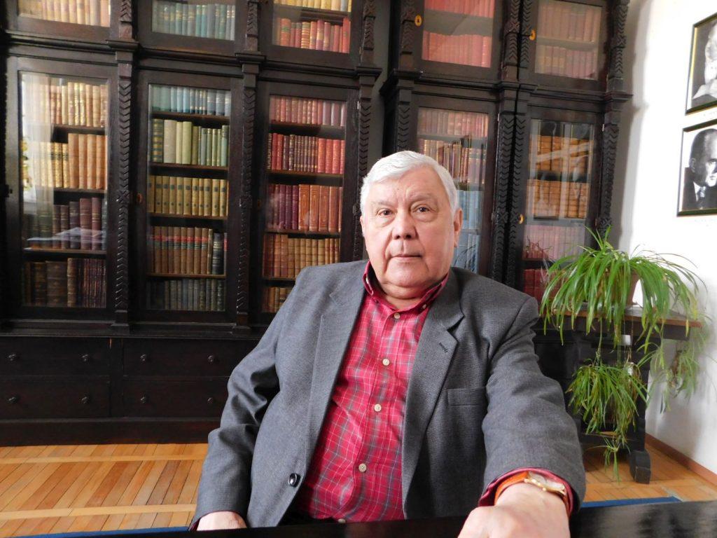 Interviu MIHAI ZAMFIR:  Romanul literaturii române în două volume