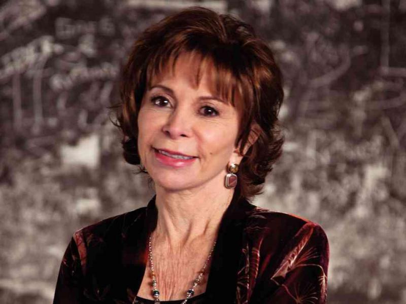 Interviu Isabel Allende: Îmi este mult mai ușor să scriu atunci când sunt fericită și îndrăgostită.