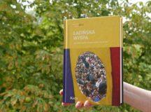 În polonă: Insula latină. Antologia nonficțiuniii românești