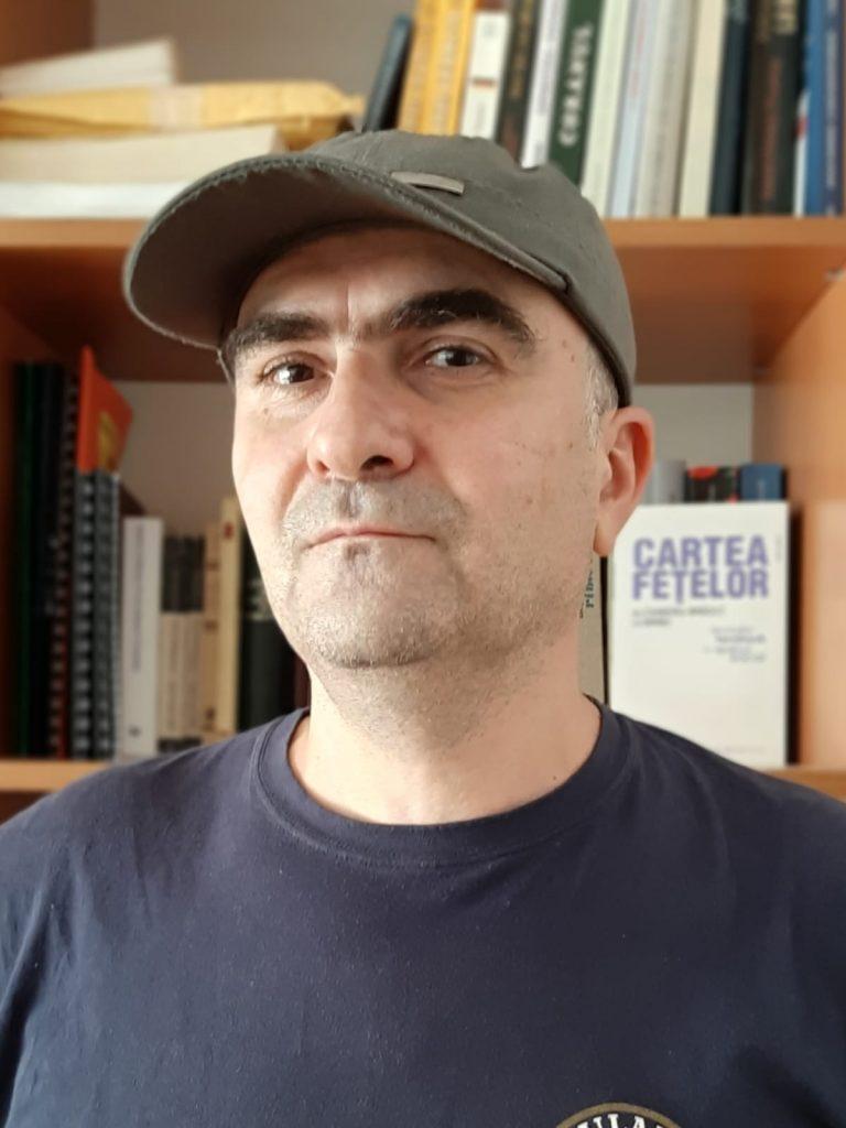 Interviu Mirel Bănică: La drum, la moarte, la viaţă!